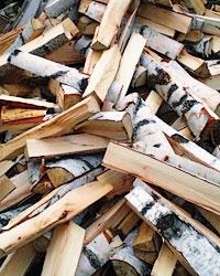 Расколотые березовые дрова