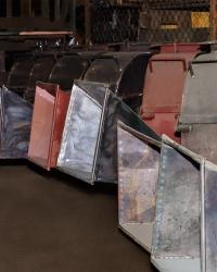 Рубильная машина для измельчения древесины на сборке завода производителя