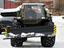 Вездеход СВБ с отвалом для уборки снега