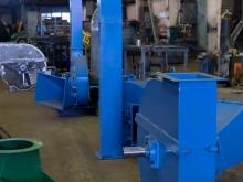 Сборочный участок производства рубительных машин РРМ в цехе завода