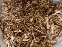 Измельченная древесина после шредера